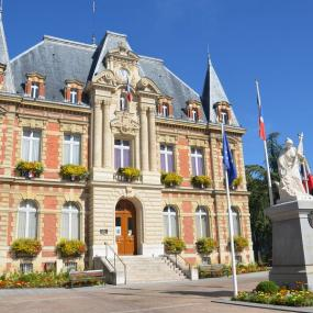Guided tours of Local History and French-Swiss museums