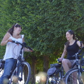 Electric bike ride on the banks of the Seine and in the forest